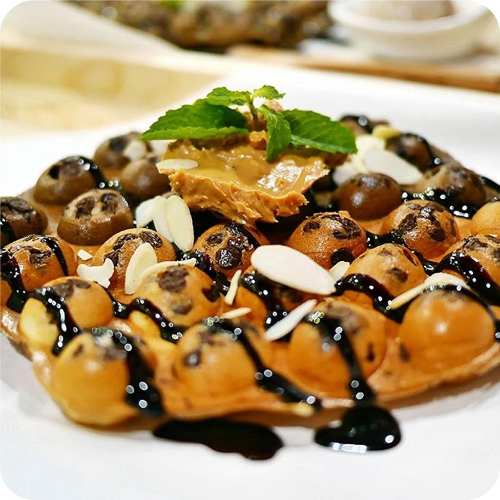 Hong Kong style waffles